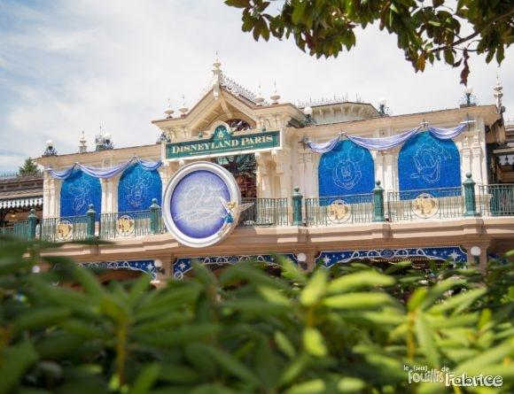 L'entrée de Disneyland Paris, décoré pour les 25 ans !
