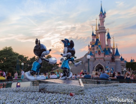 Mickey et Minnie fêtes les 25 ans de Disneyland Paris