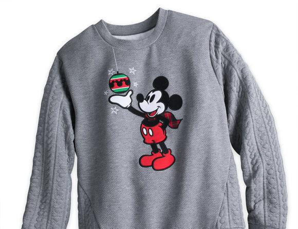 Le pull de Noël Mickey, sur le Disney Store (homme)